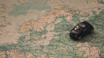 Auto auf der Mappe von Europa